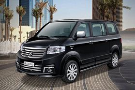 Eksterior APV Luxury (3)