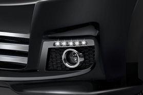 Eksterior APV Luxury (5)